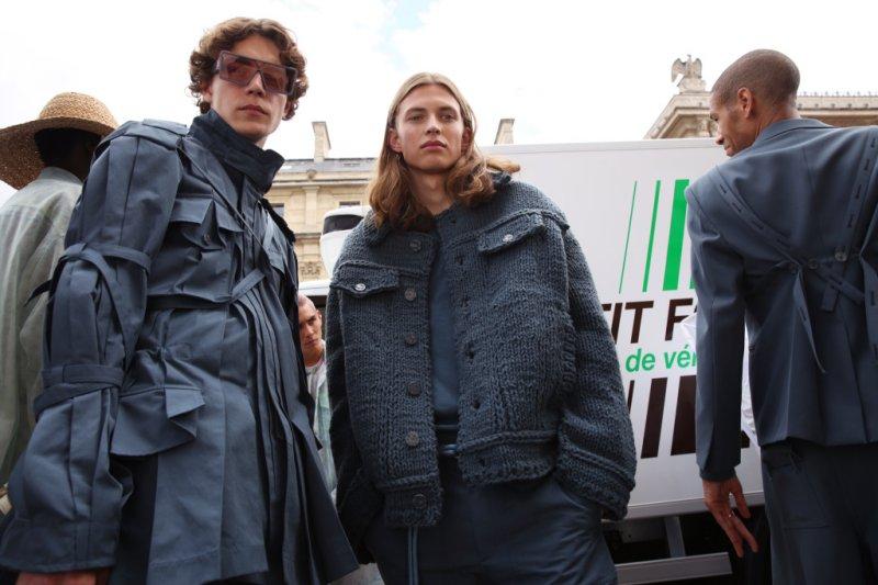 Những dấu ấn đường phố đậm chất Paris trong BST xuân hè 2020 dành cho nam giới của Louis Vuitton - Hình 7