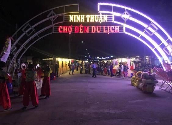 Ninh Thuận: Buổi tối khám phá Chợ đêm nhộn nhịp - Hình 1