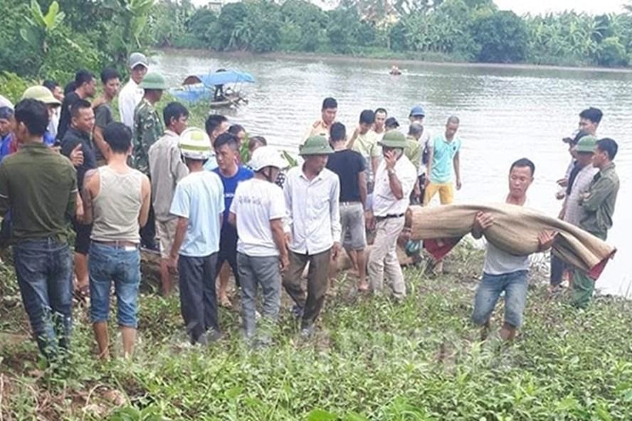 Tìm thấy xác hai bà cháu bị lật thuyền trên sông Cửu Yên - Hình 1
