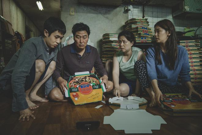 Trước cơn mưa lời khen tại Việt Nam, báo chí quốc tế còn tâng Kí Sinh Trùng lên mây: Đây là phim hay nhất năm nay! - Hình 2