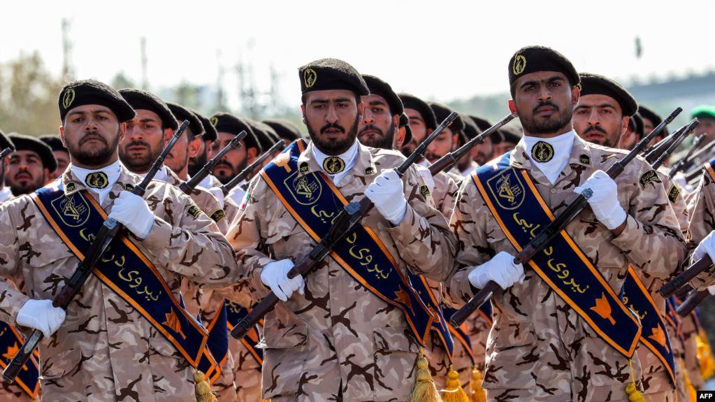Tư lệnh hàng đầu Iran cảnh báo sắc lạnh về tính mạng binh sĩ Mỹ - Hình 1