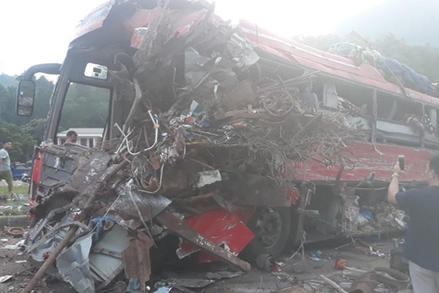 Vụ tai nạn xe khách thảm khốc ở Hòa Bình : Thông tin lạ - Hình 2