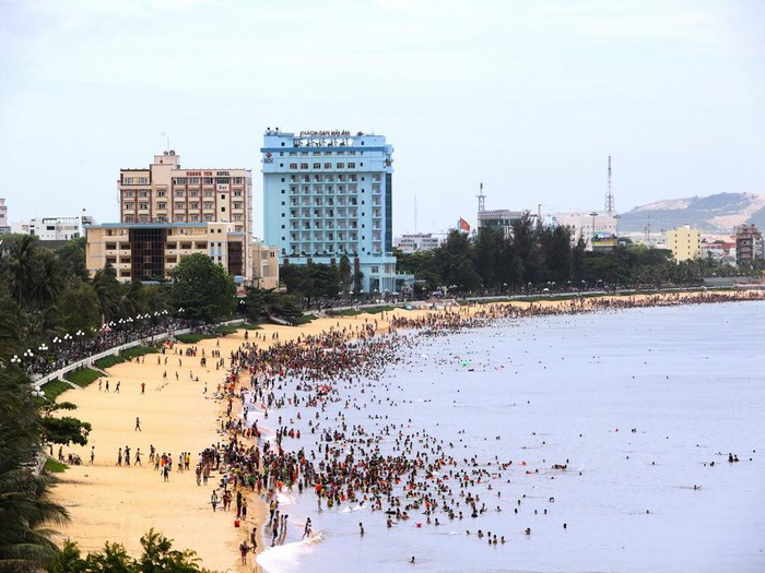 Biển Quy Nhơn trước khi bứng 3 khách sạn ngàn tỉ - Hình 2