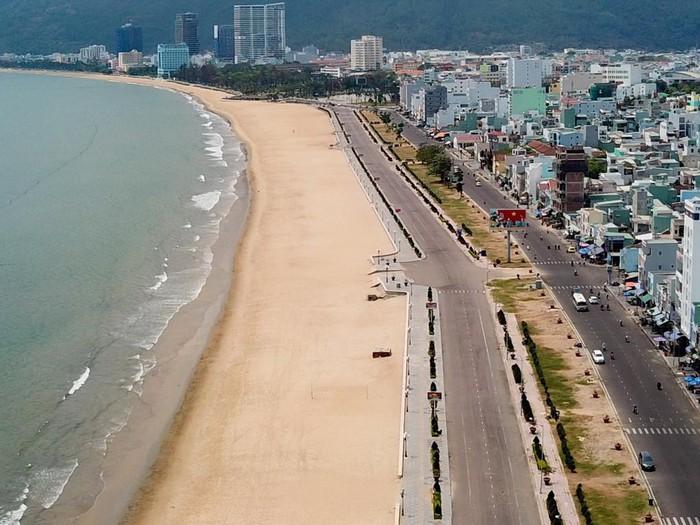 Biển Quy Nhơn trước khi bứng 3 khách sạn ngàn tỉ - Hình 6
