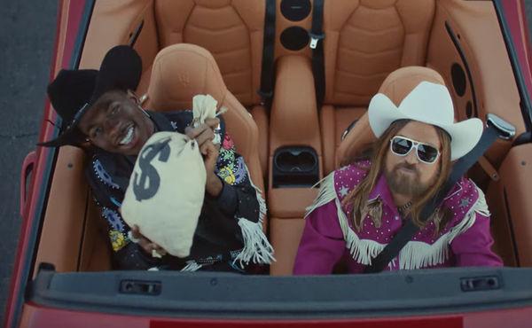Billboard Hot 100 tuần này: Màn tái hợp lịch sử của Taylor Swift và Katy Perry không hạ bệ được ách thống trị Old Town Road - Hình 1