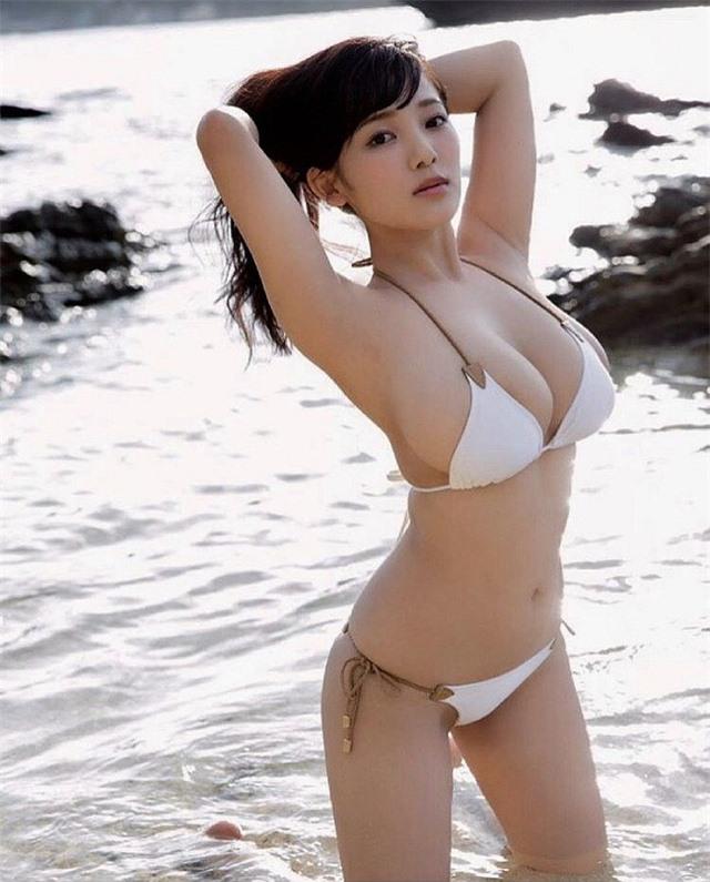 Chỉ cao mét rưỡi nhưng sở hữu vòng 1 quá khổ, hai cô nàng nấm lùn đang làm điên đảo làng người mẫu Nhật Bản - Hình 3