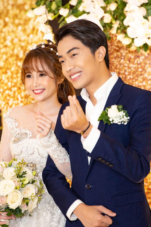 Cris Phan tung Vlog đám cưới siêu hot, khoe giọng hát ngọt ngào cùng cô dâu Mai Quỳnh Anh - Hình 1