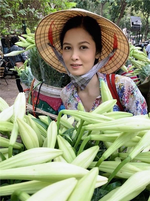 Để Mị nói cho mà nghe, cô gái bán hoa khiến ông Sơn mê mệt trong Về nhà đi con spoil nhẹ nội dung phim đây này - Hình 2