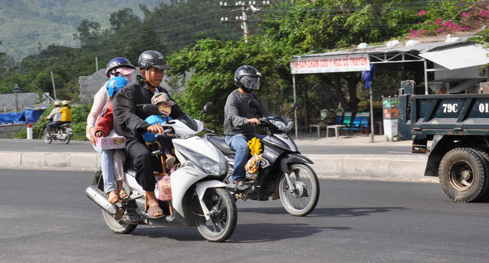 Đi xe máy dịp nghỉ Lễ, tránh rủi ro cách nào? - Hình 3