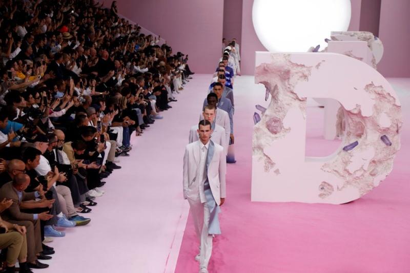 Dior men dưới thời NTK Kim Jones tiếp tục khẳng định sức hấp dẫn khó cưỡng với BST xuân hè 2020 - Hình 1
