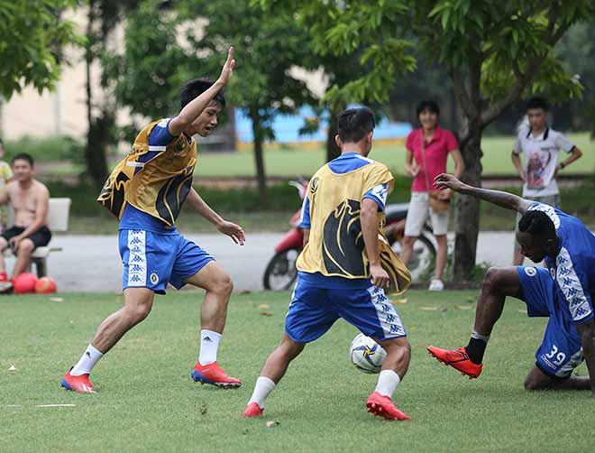 Hà Nội FC đấu AFC Cup: Văn Hậu dồn sức giải châu Á trước tin đồn sang Áo thi đấu - Hình 3