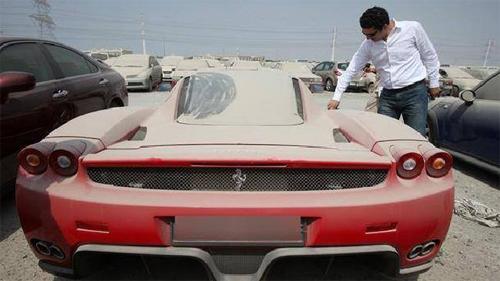 Hơn 2.000 xe sang bị vứt bỏ mỗi năm ở Dubai - Hình 1
