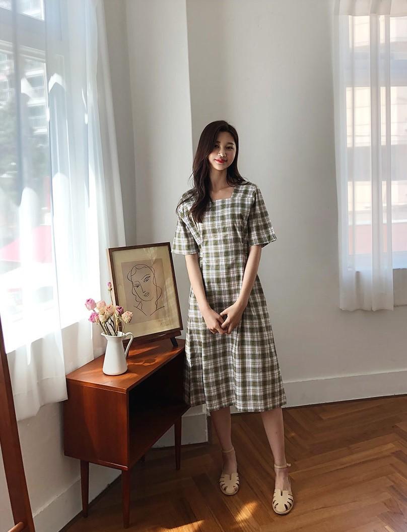 Không chỉ xinh lịm tim, mẫu váy này còn sánh ngang với váy cổ chữ V về khả năng sang chảnh hóa phong cách - Hình 8