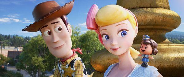 Không phải Woody, đây mới là 2 cô nàng chiếm trọn spotlight trong phim Toy Story 4 - Hình 1