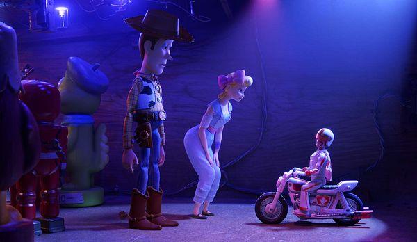 Không phải Woody, đây mới là 2 cô nàng chiếm trọn spotlight trong phim Toy Story 4 - Hình 8