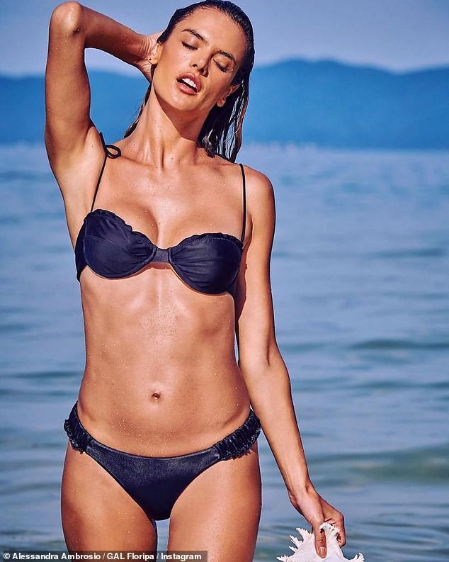 Không thể tin nổi đây là body ở độ tuổi U40 của cựu thiên thần Victoria's Secret: Sắc vóc đốt mắt, đàn em phải ngả mũ - Hình 1