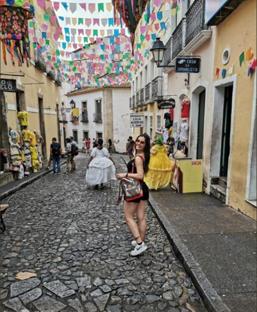 Larissa Riquelme: Nữ CĐV đốt cháy các khán đài tại Copa America 2019 - Hình 9