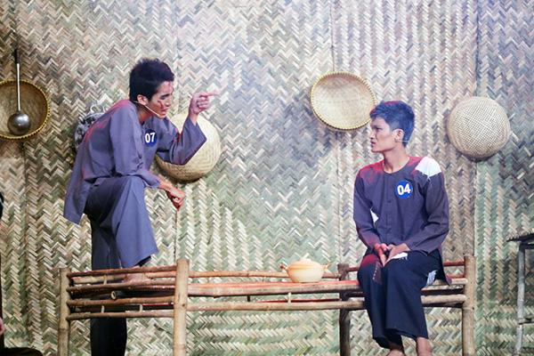 Người hâm mộ vây kín sân khấu xem nghệ sĩ 'cháy hết mình' với văn hoá dân gian - Hình 2