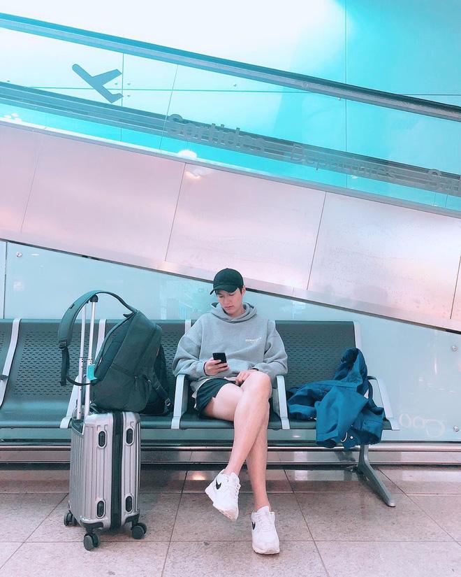 Ở bển nóng quá hay sao mà dạo này Lee Min Ho hay trễ trên và cộc dưới, điệu xinh chúm chím thế này? - Hình 2