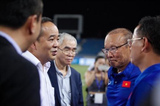 Phóng viên Thái Lan nổi đóa thông tin muốn chiêu mộ HLV Park Hang-seo - Hình 2