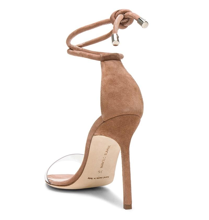 Tuyệt chiêu kéo dài đôi chân bằng giày nude - Hình 9
