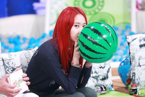 Anti fan cũng phải câm nín vì nhan sắc đỉnh cao của 9 idol hàn nhuộm tóc đỏ đẹp nhất lịch sử Kpop - Hình 17