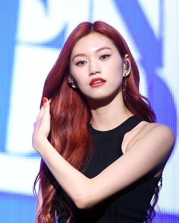 Anti fan cũng phải câm nín vì nhan sắc đỉnh cao của 9 idol hàn nhuộm tóc đỏ đẹp nhất lịch sử Kpop - Hình 8
