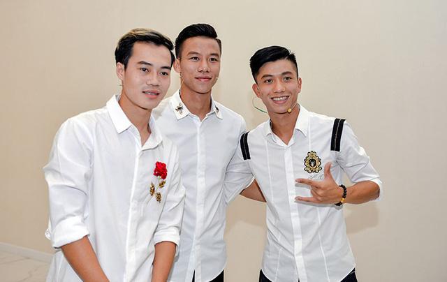 Bất ngờ hành động đội trưởng tuyển Việt Nam tại đại tiệc offline sinh nhật 1 tuổi FIFA Online 4 - Hình 7