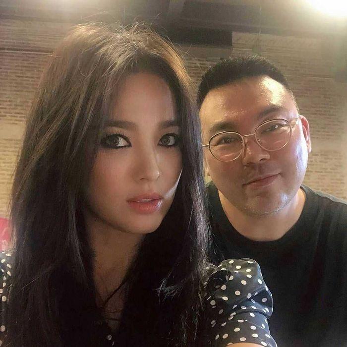 Đột nhiên ngoại hình khác lạ: bánh bèo Song Hye Kyo lấy cảm hứng từ phim mới của chồng - Hình 1