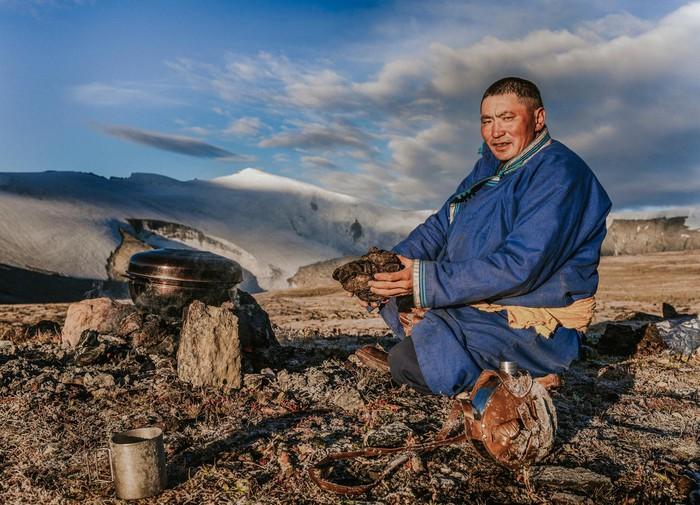 Khám phá cuộc sống du mục của bộ lạc chăn tuần lộc Tsaatan - Hình 8