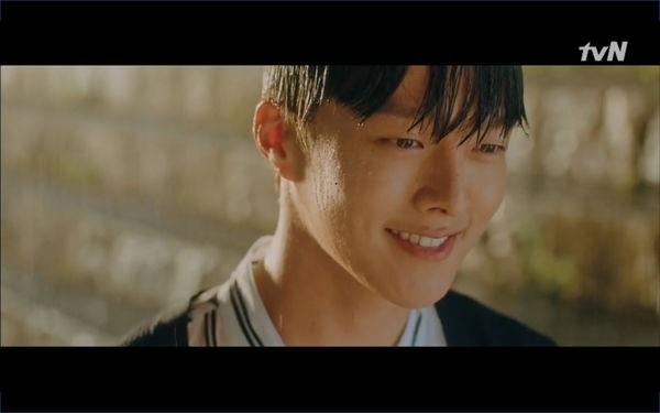 Lâu lắm rồi màn ảnh Hàn mới có chàng phi công thả thính đỉnh cao như Jang Ki Yong trong Search: WWW - Hình 21