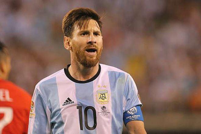 Messi yêu cầu HLV tuyển Argentina phải nghiêm khắc hơn - Hình 1
