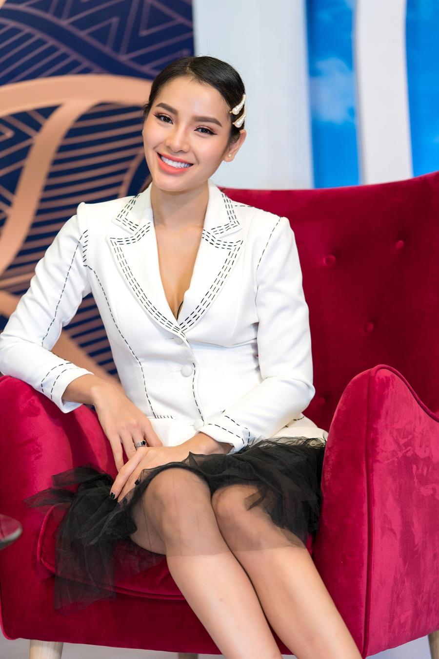 Nữ ca sĩ thích khoe nhất showbiz Việt - Phương Trinh Jolie khát khao được thử sức vai phản diện - Hình 2