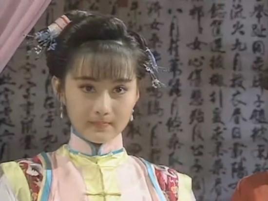 Nữ thần phim Quỳnh Dao: Ngọc nữ trong sáng khiến Châu Tinh Trì mê mẩn, hết thời đi hát hội chợ - Hình 1
