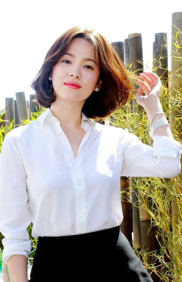 Song Hye Kyo để kiểu tóc nào là tạo trend kiểu tóc nấy, quan trọng nhất là cô ấy luôn đẹp dù có thay đổi như thế nào - Hình 8