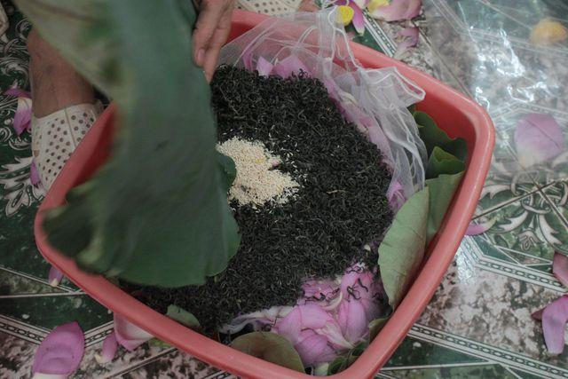 Thiên cổ đệ nhất trà sen của cụ bà U100 Hà Nội, giá 7 triệu đồng/kg - Hình 7