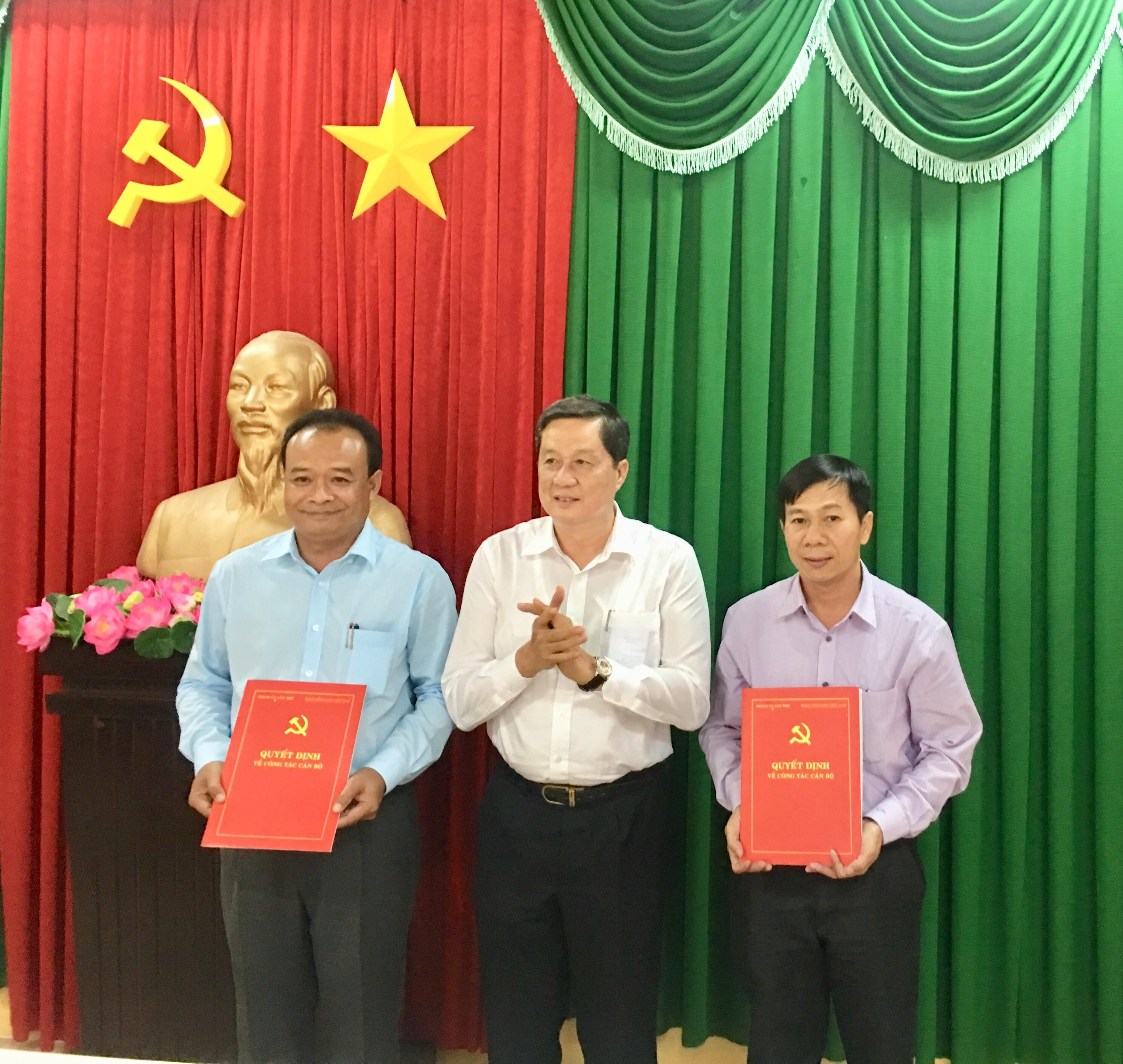 Trao quyết định bổ nhiệm ông Nguyễn Ngọc Tâm làm Chủ tịch Ủy ban MTTQ Việt Nam TP Cần Thơ - Hình 1