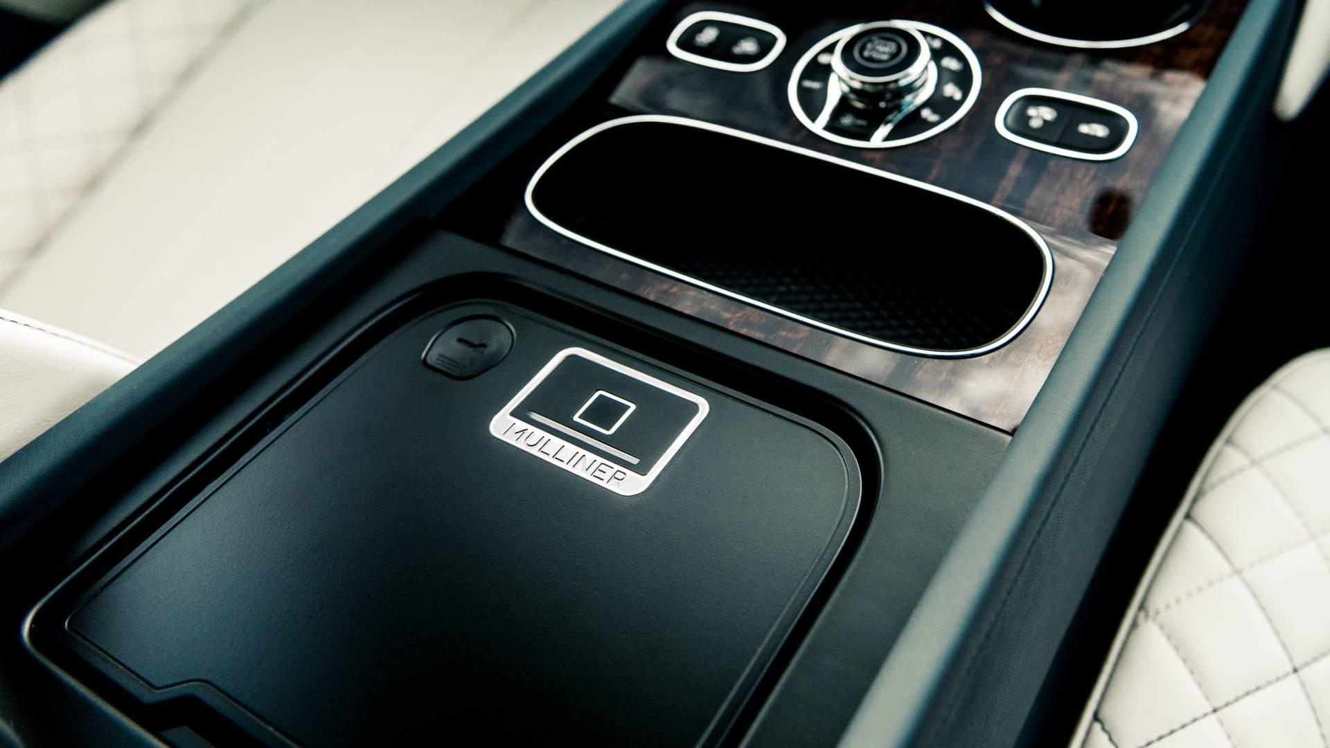 Bentley Bentayga ra mắt phiên bản Ngọc trai Ba tư dành riêng thị trường Trung Đông - Hình 6