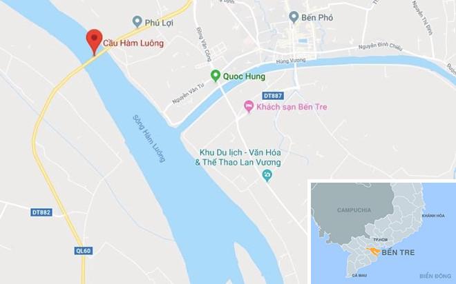 Hai ôtô tông nhau rơi xuống cầu Hàm Luông - Hình 4