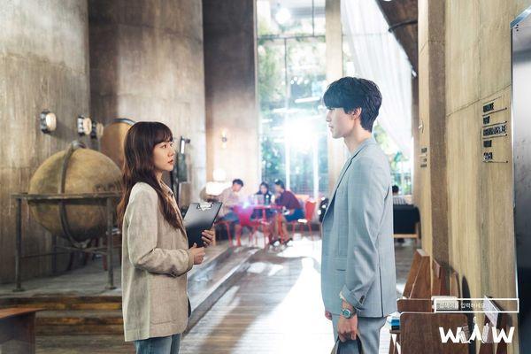 One Spring Night của Han Ji Min tiếp tục đứng thứ 2 - Rating phim Search: WWW giảm mặc dù có cameo là Lee Dong Wook - Hình 5