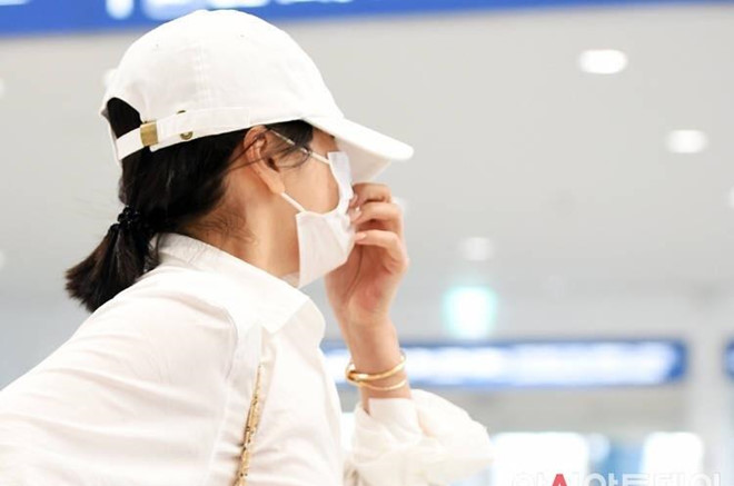 Song Hye Kyo du lịch một mình, né ống kính trước ngày ly hôn - Hình 1