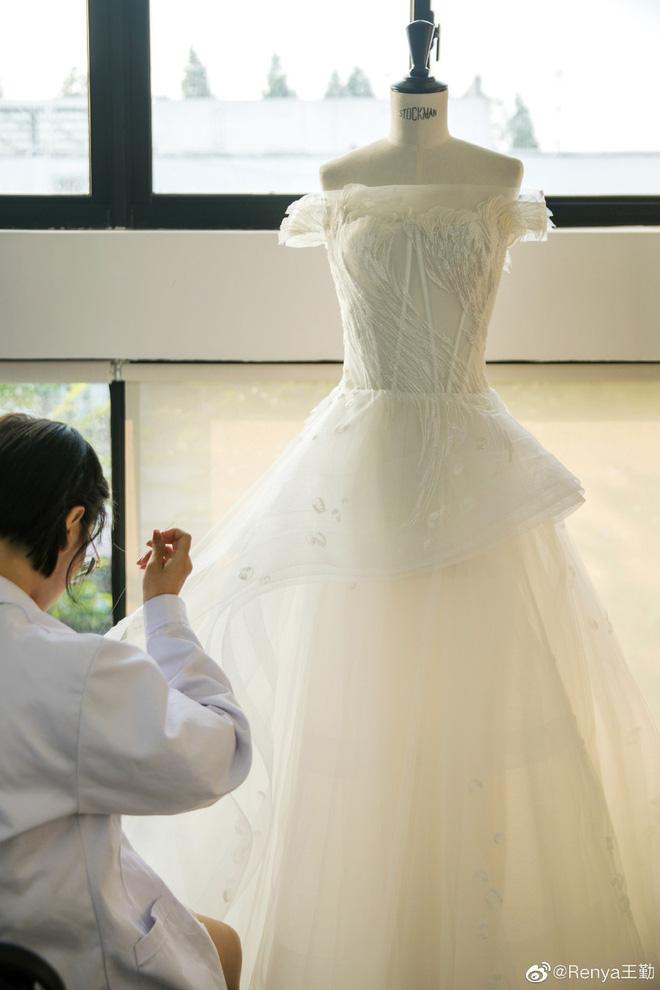 Tiết lộ dàn phù dâu phù rể toàn cực phẩm và chi tiết đắt giá đám cưới mỹ nhân Tây Du Ký: Dự sẽ gây nổ cả Cbiz! - Hình 8