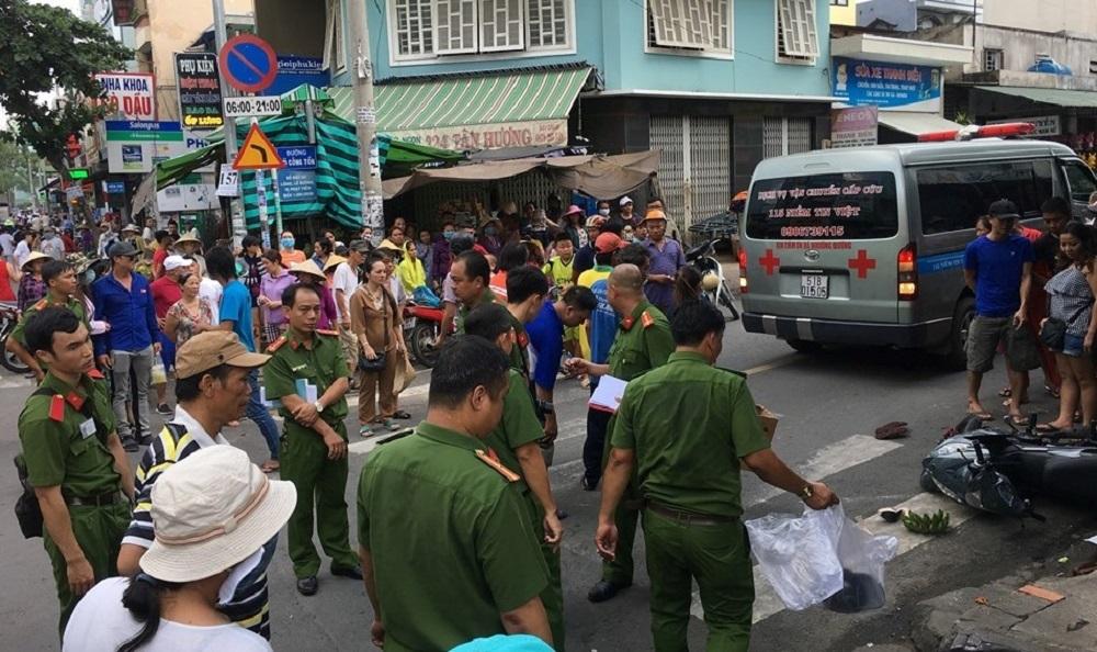 Tông chết cô gái trên đường Sài Gòn, tài xế taxi xuống nhìn rồi bỏ đi - Hình 1