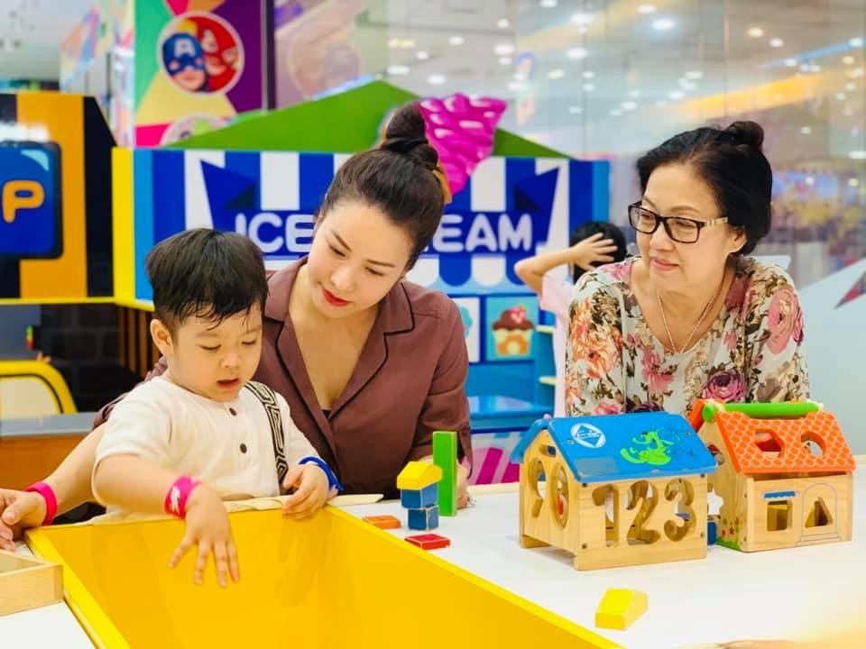 Ngoài Nhật Kim Anh, nhiều mỹ nhân Việt cùng chung cảnh mất quyền nuôi con sau ly hôn - Hình 3