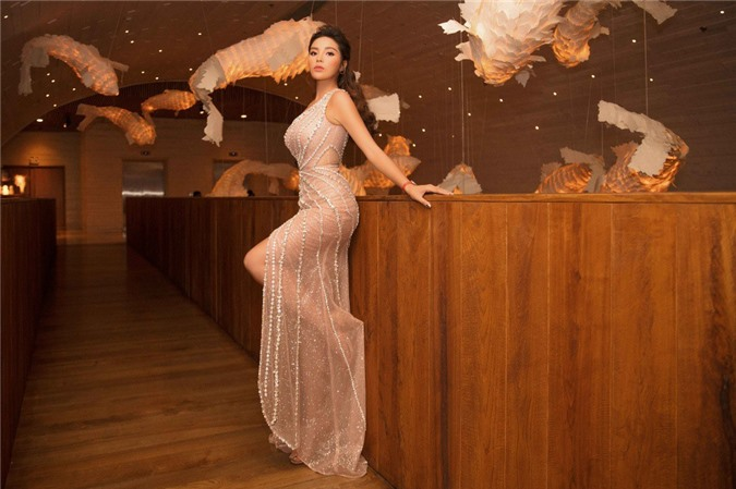 Trở về sau kỳ nghỉ ngọt ngào với Minh Triệu, Kỳ Duyên đẹp như nữ thần khoe ba vòng cực chuẩn tại sự kiện - Hình 6