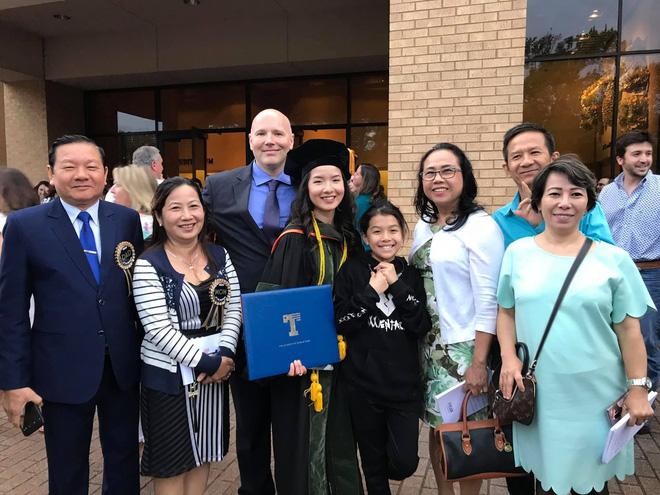 Lần đầu tiên có nữ du học sinh Việt tốt nghiệp thủ khoa ngành Dược một trường Đại học lớn tại Mỹ - Hình 5