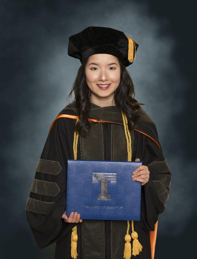 Lần đầu tiên có nữ du học sinh Việt tốt nghiệp thủ khoa ngành Dược một trường Đại học lớn tại Mỹ - Hình 3