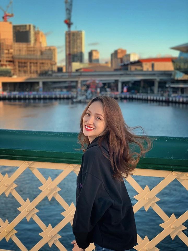 Đẹp hoàn hảo như Hoa hậu Chuyển giới Hương Giang mà vẫn để lộ khuyết điểm không thể nào phẫu thuật - Hình 1