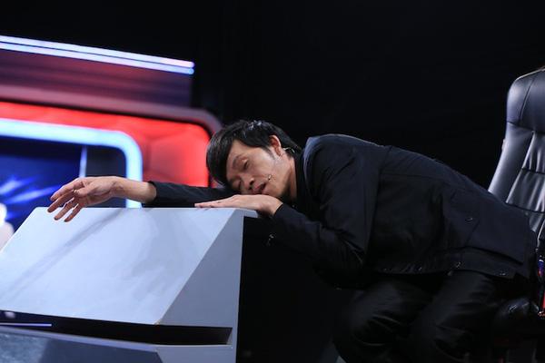 Nhìn hình ảnh sao Việt ngủ gà ngủ gật vì chạy show quá sức, mới hiểu làm nghệ sĩ không sung sướng như nhiều người nghĩ - Hình 4