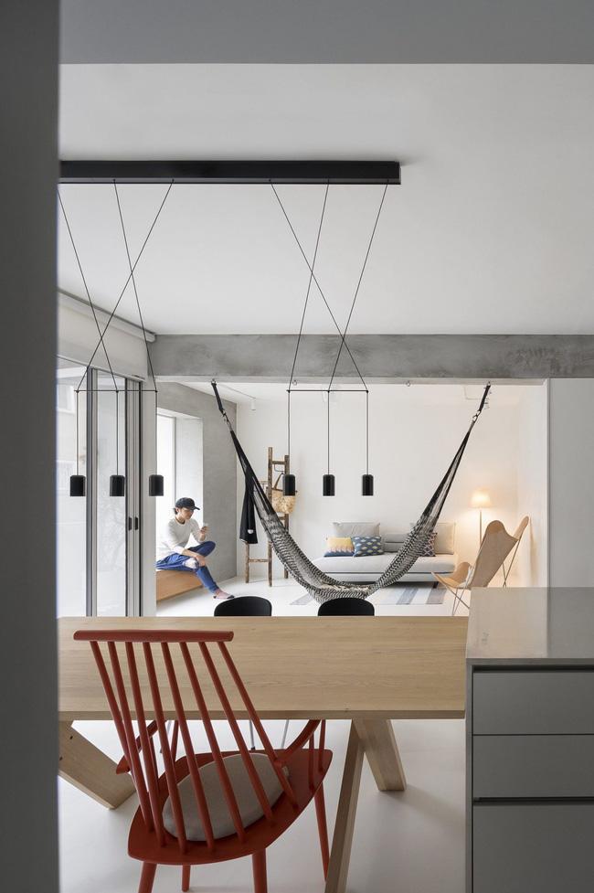 Căn hộ mang lại cảm giác vui vẻ nhờ loại bỏ các bức tường, tạo sự kết nối giữa các thành viên trong nhà - Hình 3